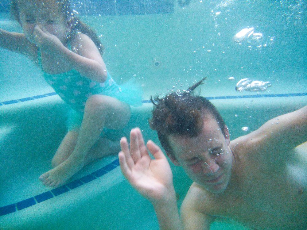 underwater rugged smartphone photography