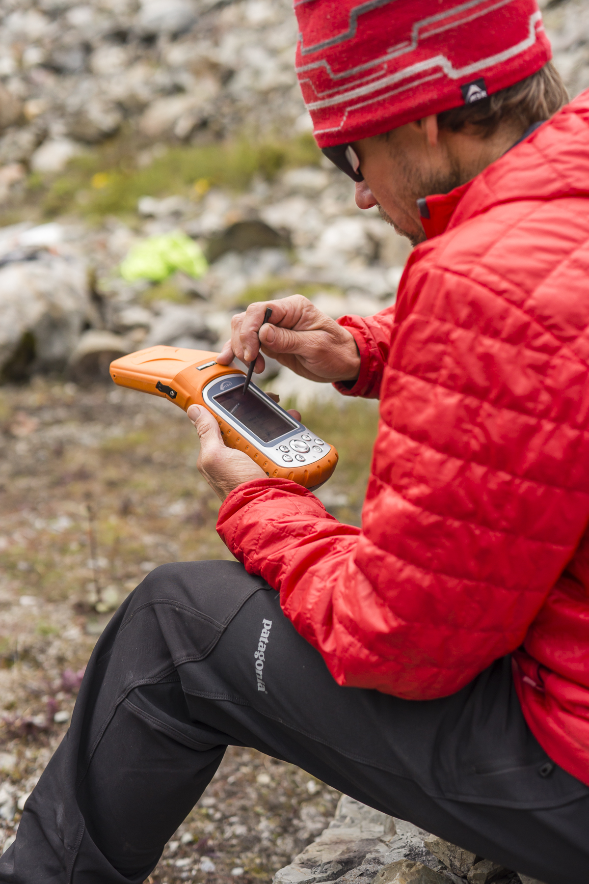 Setting up the Archer Field PC to collect GPS data. Photo credit: Mark Fisher at http://www.fishercreative.com/ . Instagram: @fishercreative