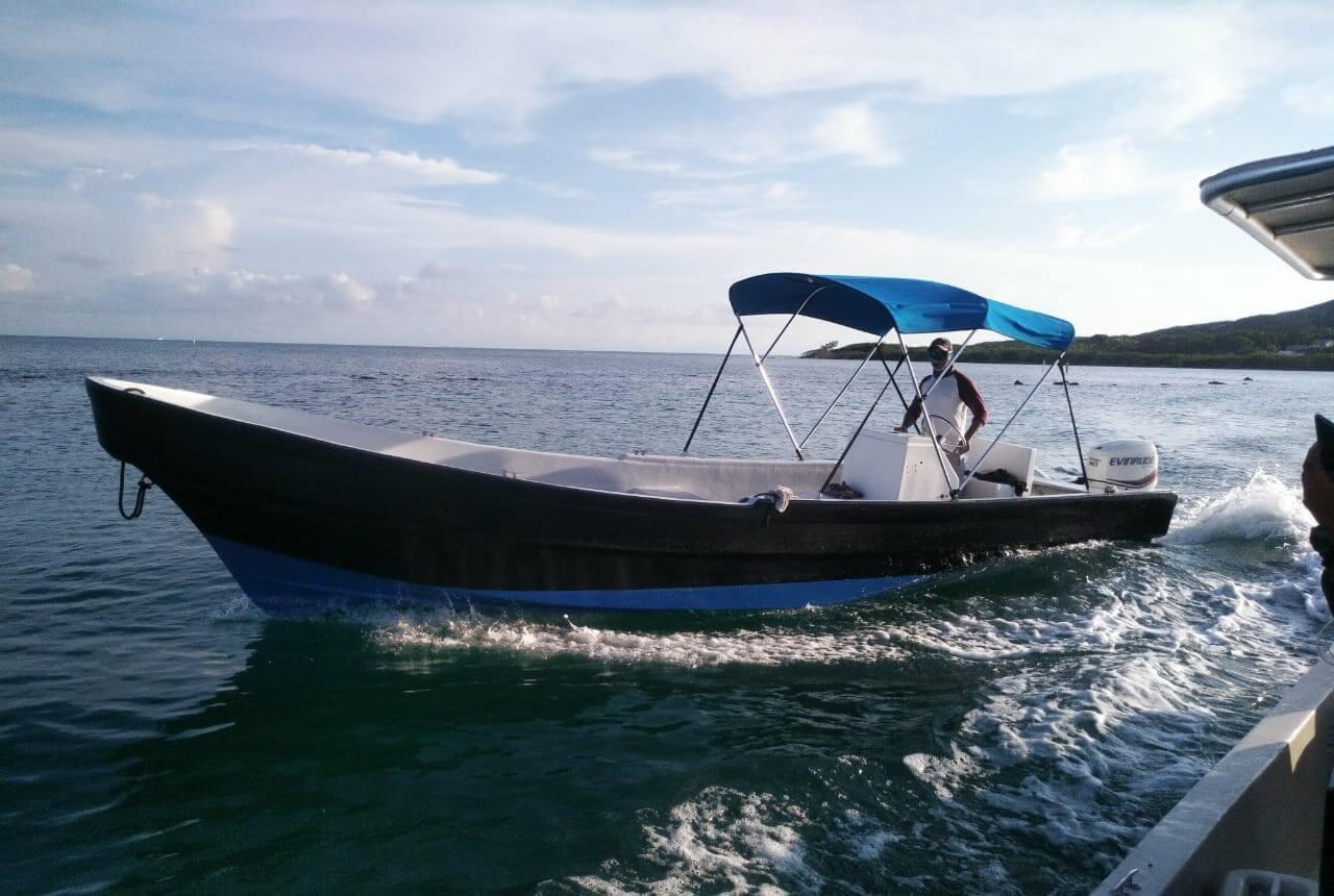 Patrol boat at the Roatan Marine Park