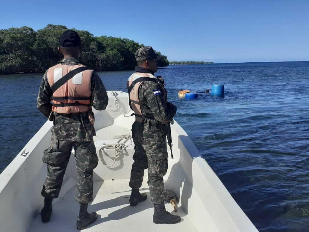 Honduran Navy help patrol the coatline