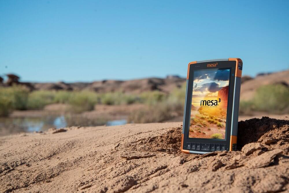 Four Display factors to consider when choosing a rugged tablet for outdoor work
