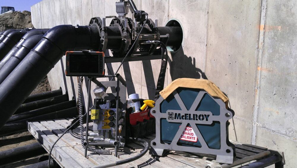 DataLogger 7/Mesa 3 Rugged Tablet on site with McElroy fusion equipment - photo courtesy of Fusion Technologies, Inc.