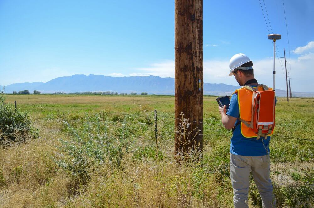 GNSS/GPS receivers provide increased data collection efficiency for users in the field.