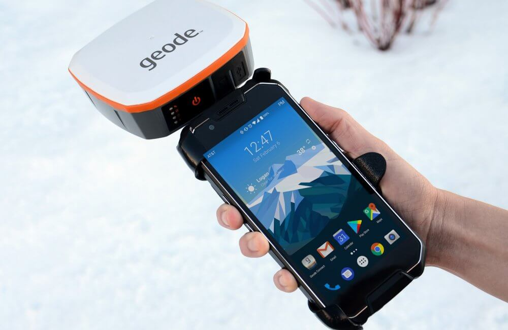 The Geode attached to the CP3 rugged Android smartphone with a tray.