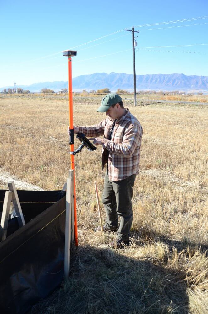 The Geode Sub-meter GPS receiver mounted to collect data in the field.